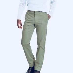 Banana Republic | Aiden Chino Pant